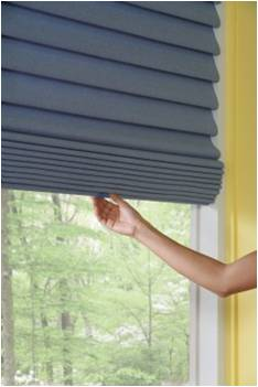 Vignette® Modern Roman Shades    from Hunter Douglas  with the LiteRise® cordless lifting system